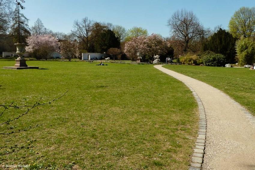 Stadtpark in Nürnberg im Frühling