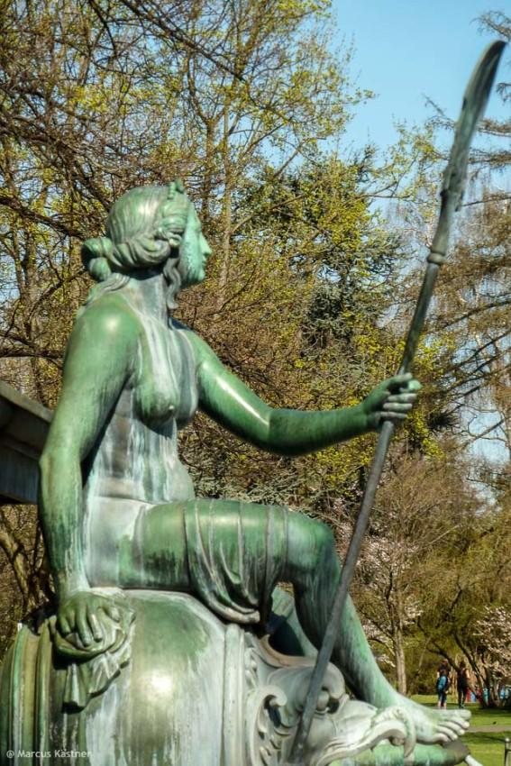 Neptunfrau, wer weiß es, wie die Frau heißt und war?